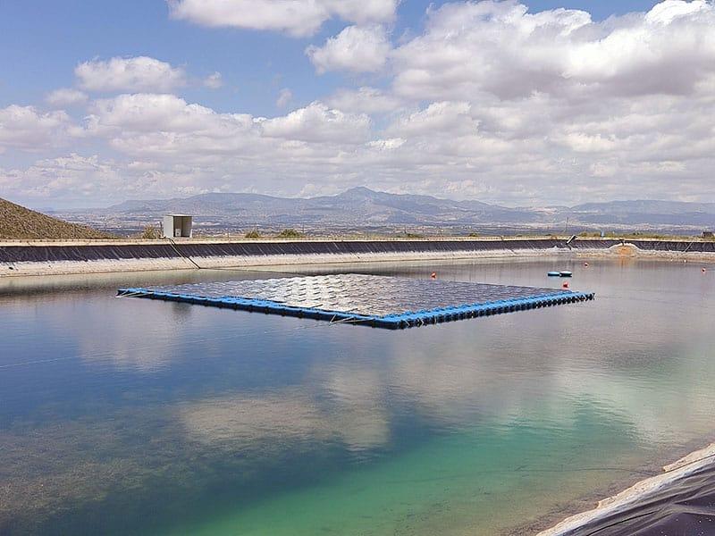 planta solar flotante